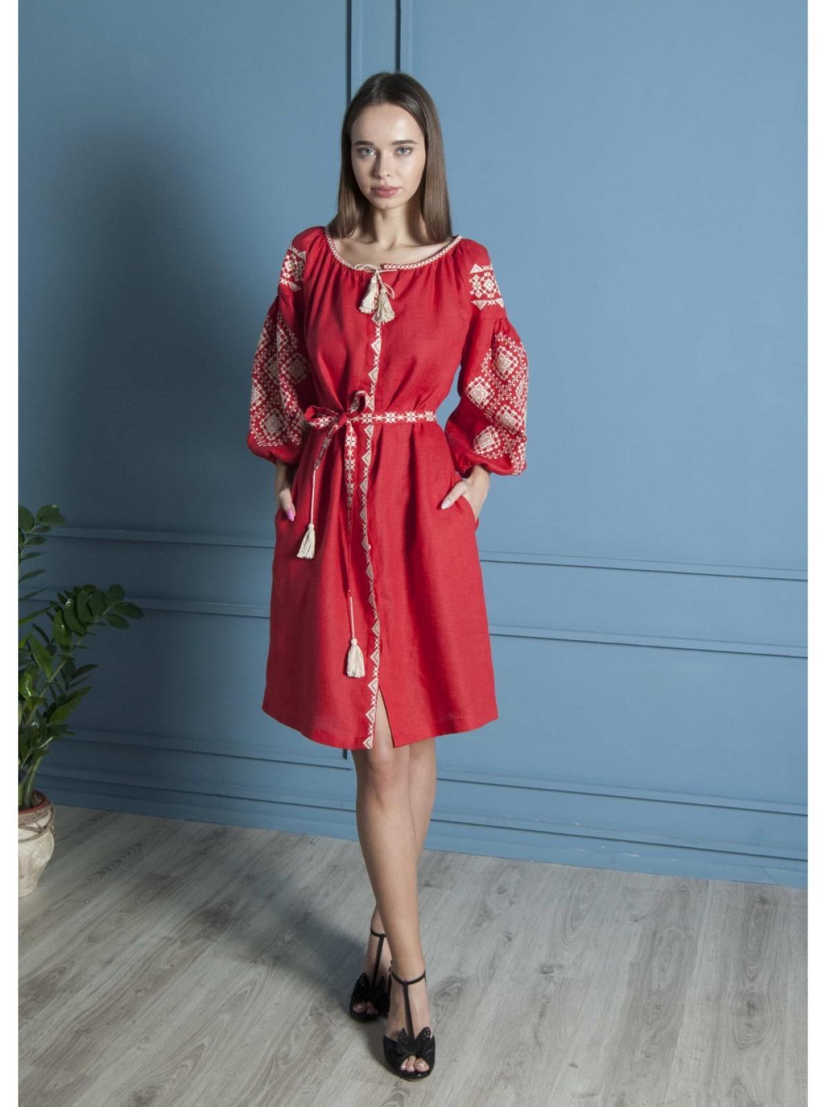 Красная льняное вишитое  платье-миди. Фото №2. | Народный дом Украина