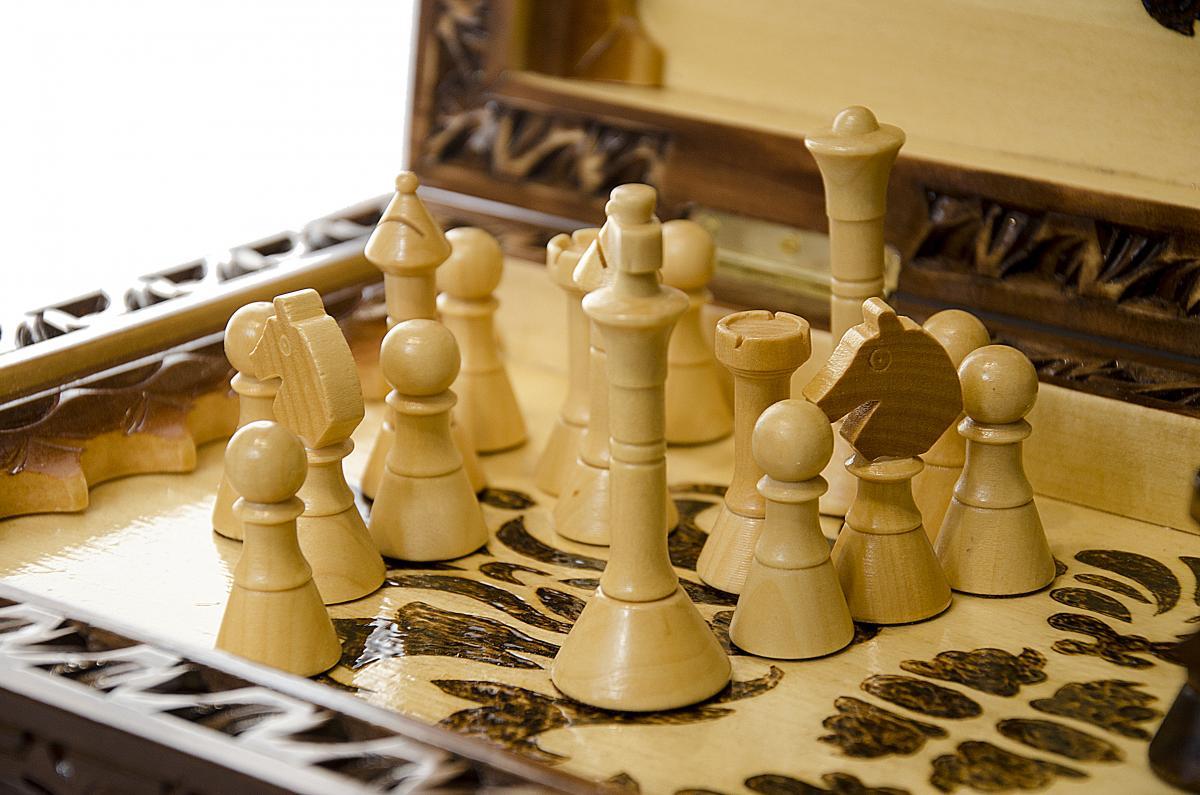 Деревянные шахматы ручной работы. Фото №4. | Народный дом Украина