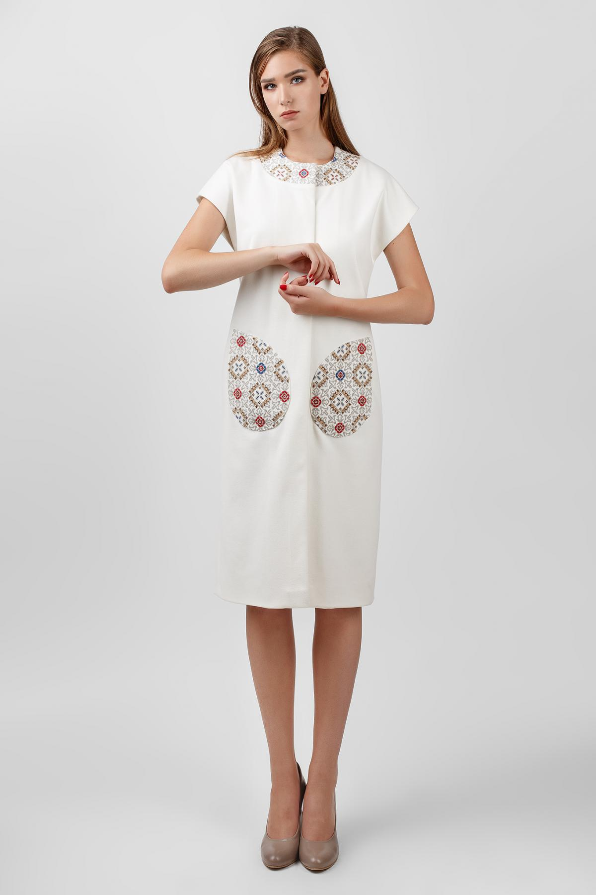 White cardigan with embroidered pockets and collar. Photo №2. | Narodnyi dim Ukraine