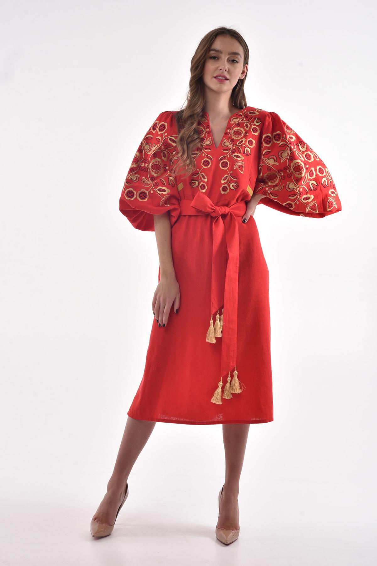 Платье вышитое «Находка» красное. Фото №2. | Народный дом Украина