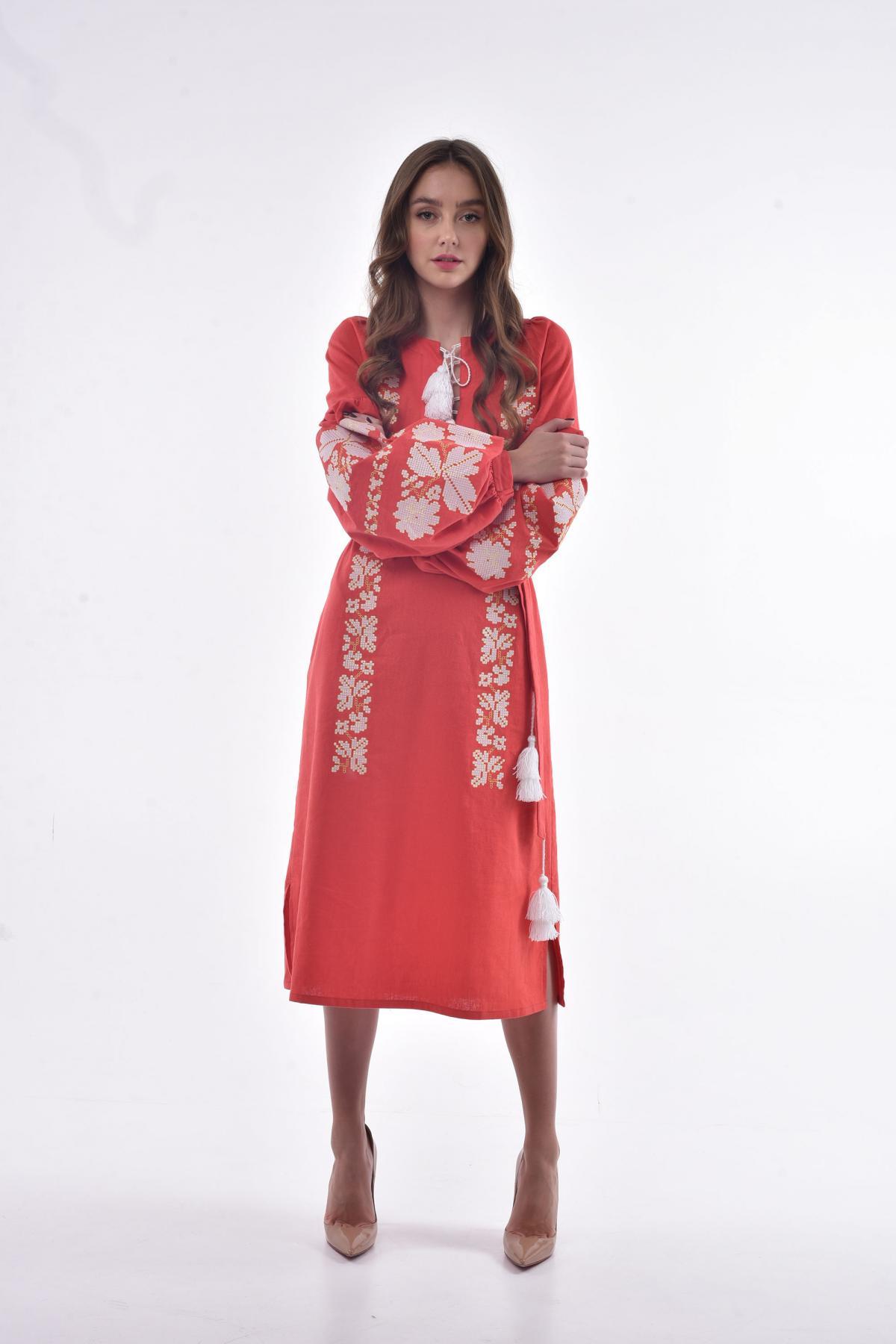 Платье вышитое «Невесточка» коралл. Фото №1. | Народный дом Украина