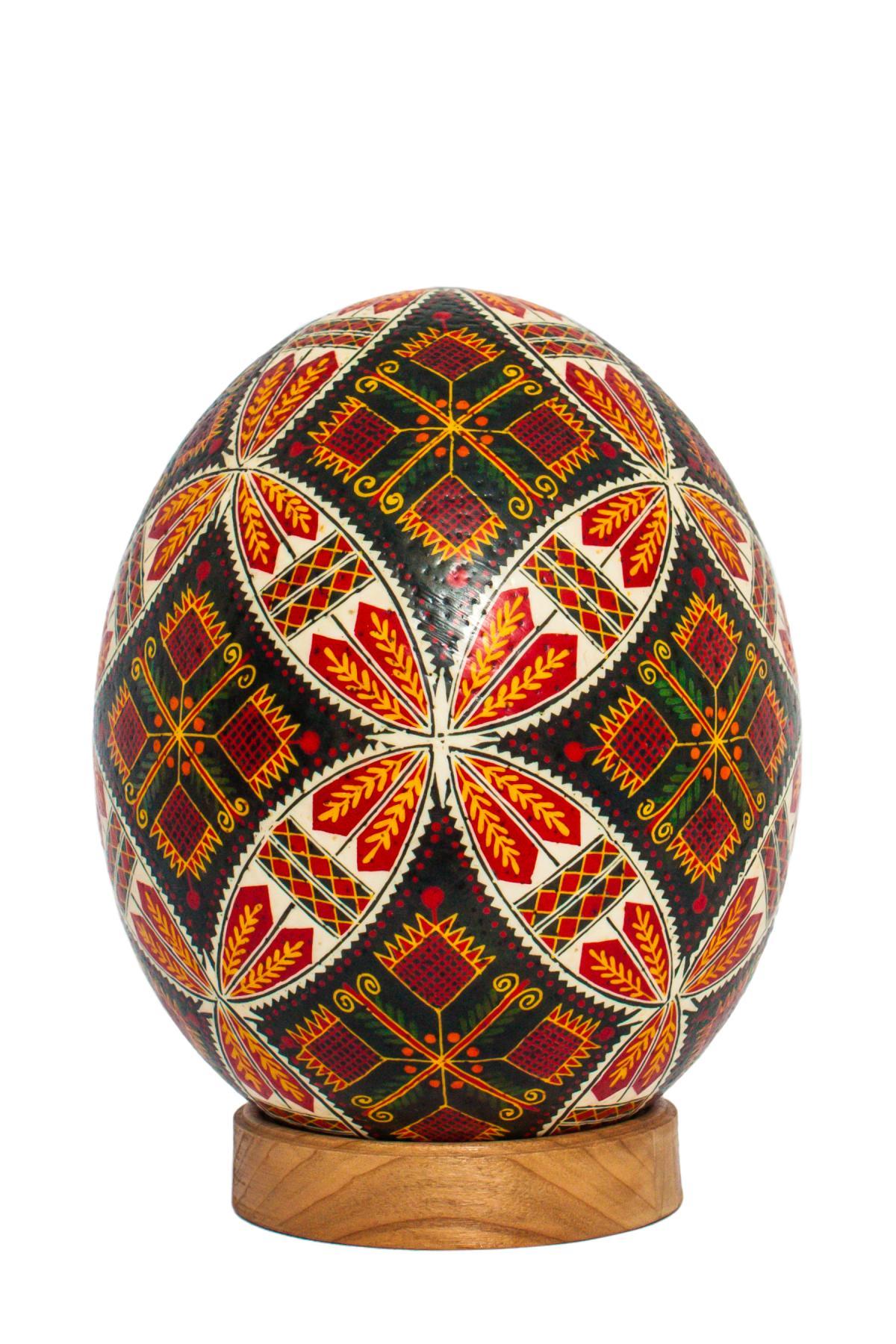 Большая писанка с страусиного яйця. Фото №3.   Народный дом Украина