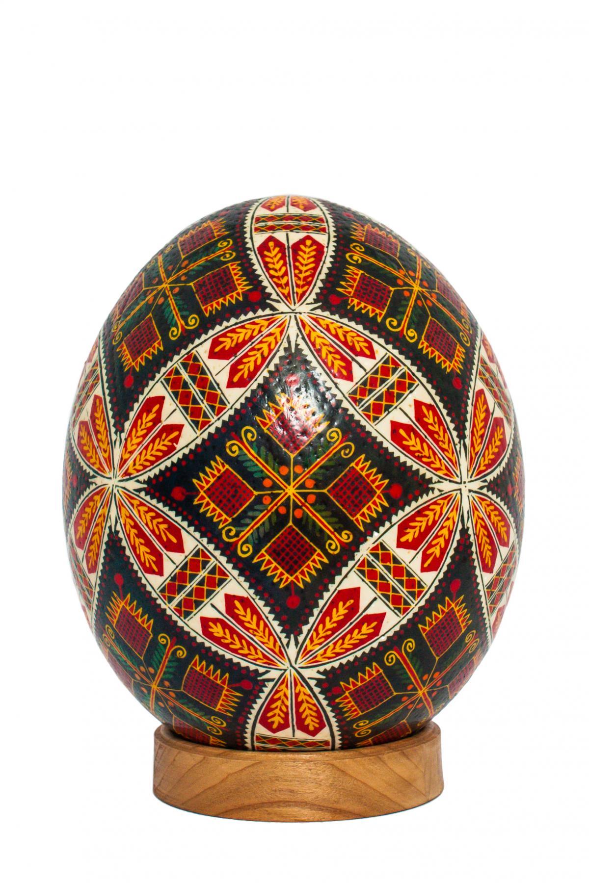 Большая писанка с страусиного яйця. Фото №2.   Народный дом Украина