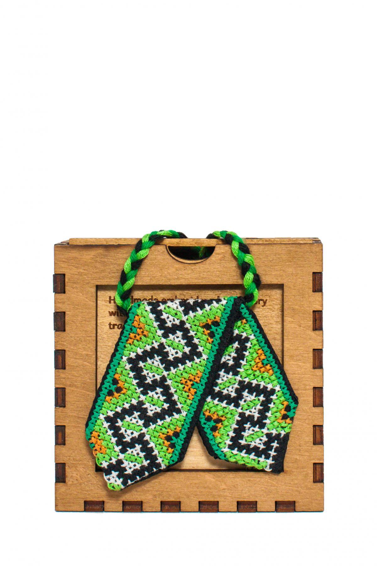 Кросс-галстук с вышивкой зеленый. Фото №1. | Народный дом Украина