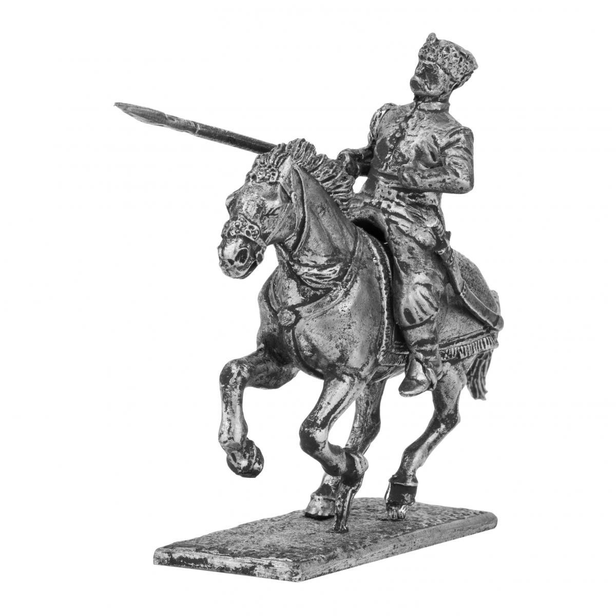 Фигурка казака с списем на коне XVII века.