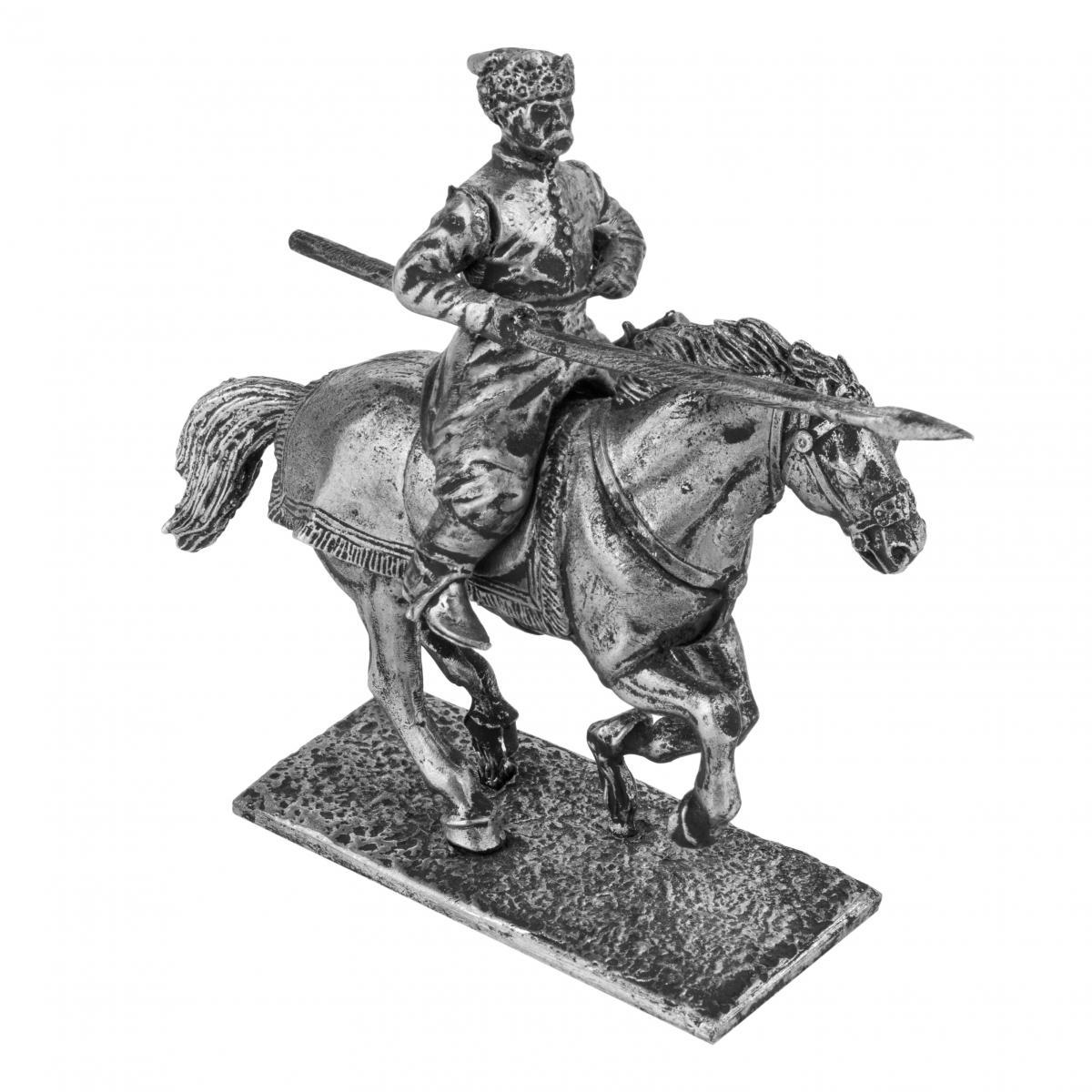 Фигурка казака с списем на коне XVII века.. Фото №2.   Народный дом Украина