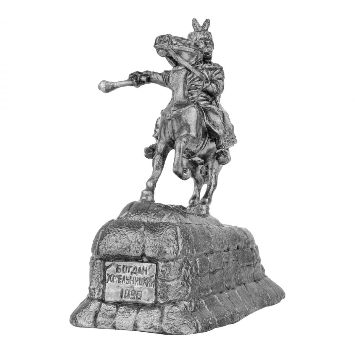 Фигурка казака на коне с булавой. Фото №2. | Народный дом Украина