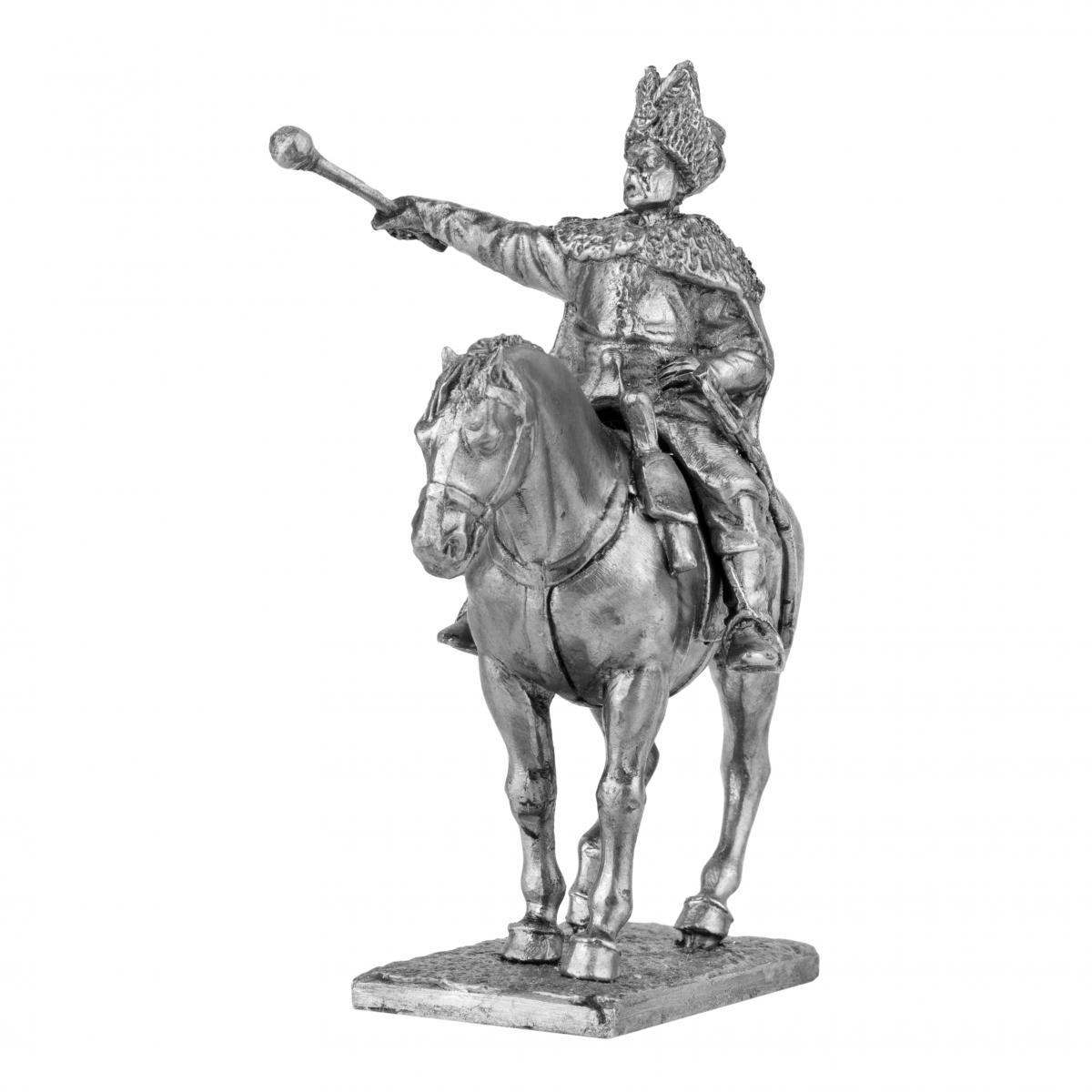 Фигурка казака на коне с булавой. Фото №2.   Народный дом Украина