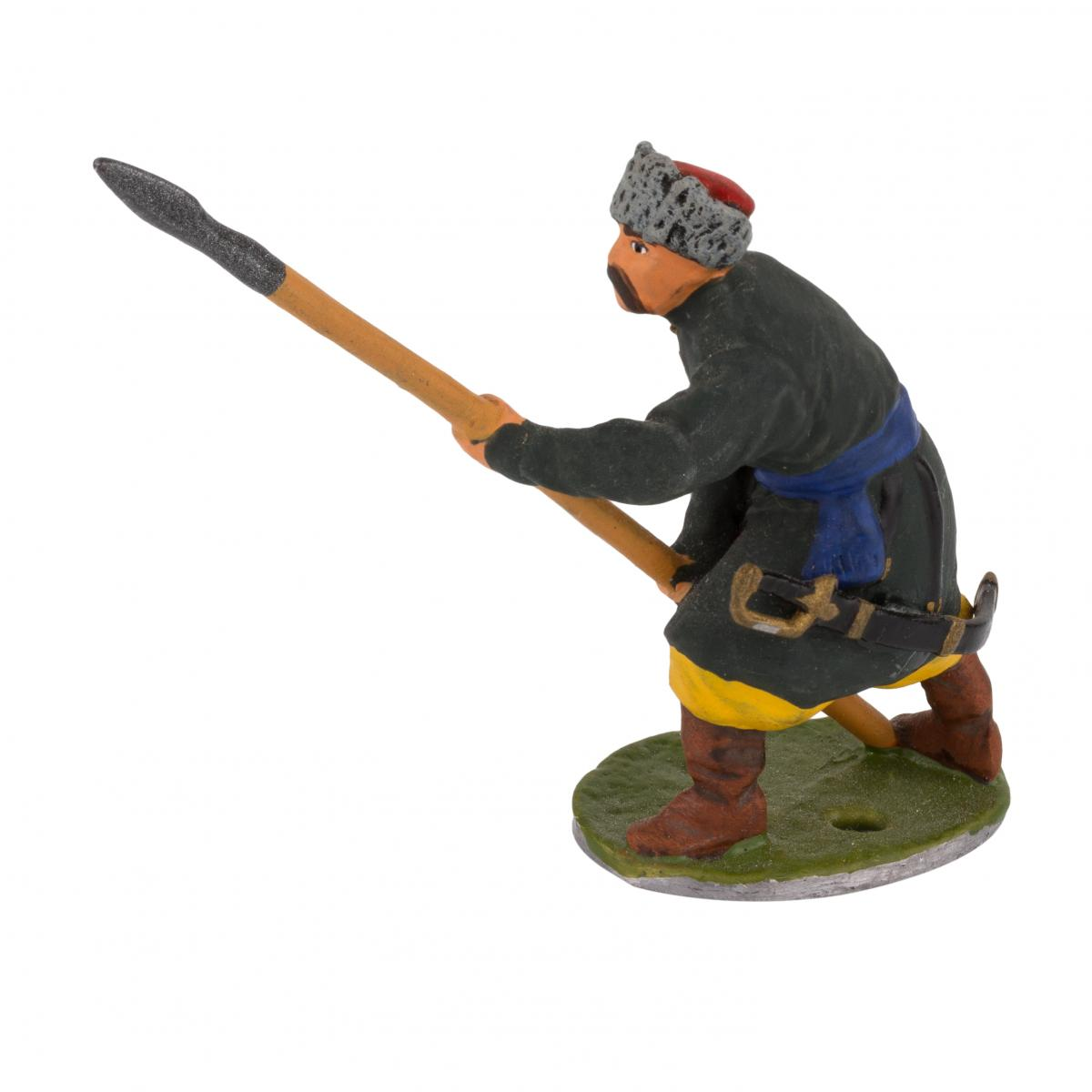 Фигурка человека с копьем. Фото №2.   Народный дом Украина
