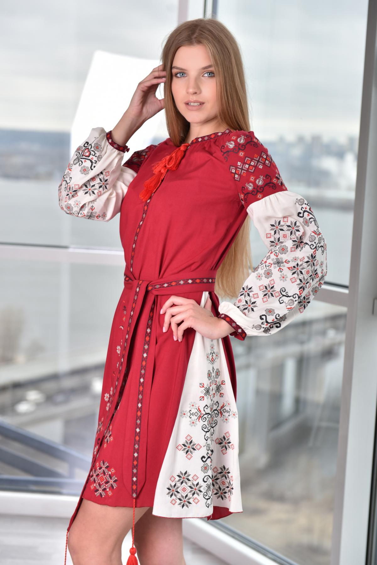 Tender red-beige dress with embroidery. Photo №1. | Narodnyi dim Ukraine