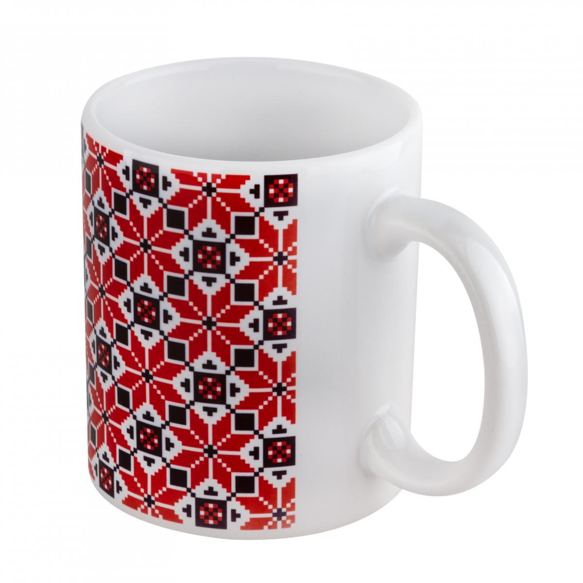 Чашка з червоно-чорним візерунком. Фото №2. | Народний дім Україна