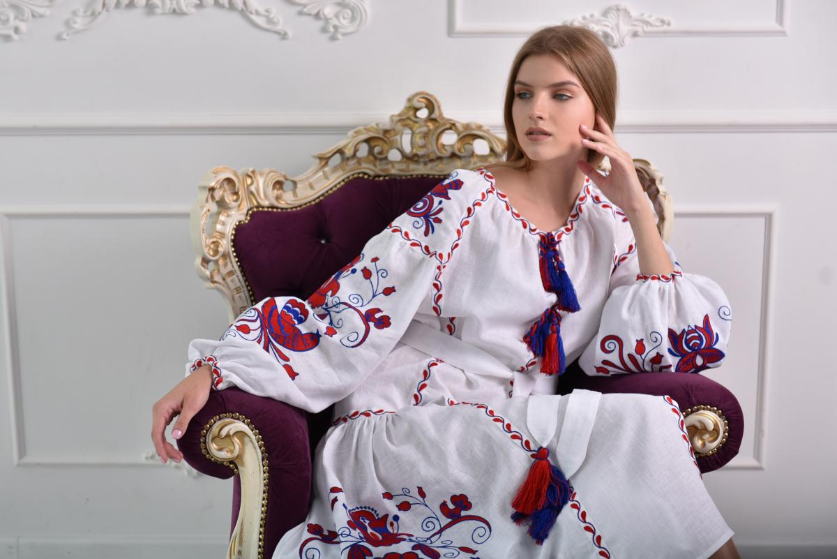 White dress with red and blue embroidery Birds. Photo №3. | Narodnyi dim Ukraine