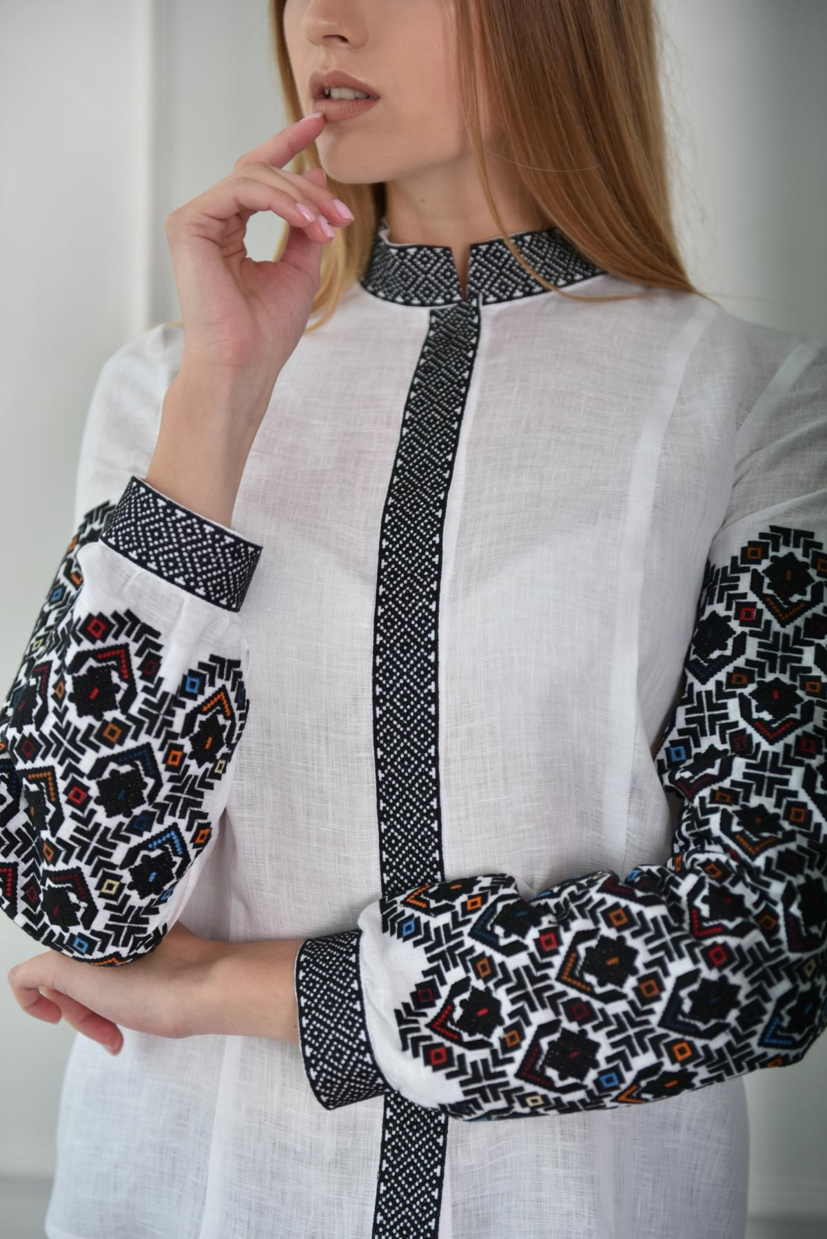 White women's shirt-embroidery. Photo №1. | Narodnyi dim Ukraine