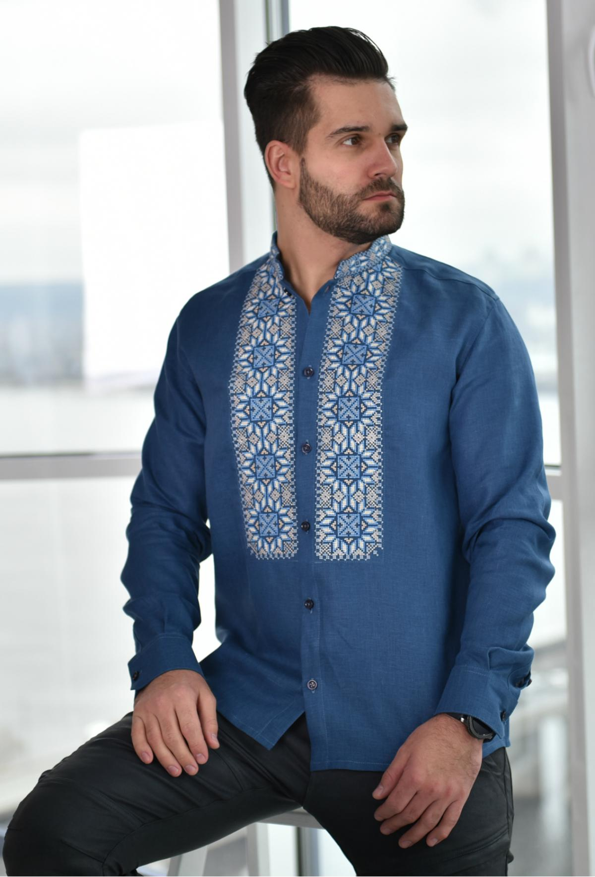 Blue embroidered shirt with blue and beige embroidery. Photo №1. | Narodnyi dim Ukraine