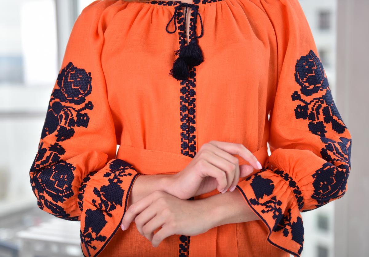 Помаранчева жіноча вишиванка . Фото №3. | Народний дім Україна