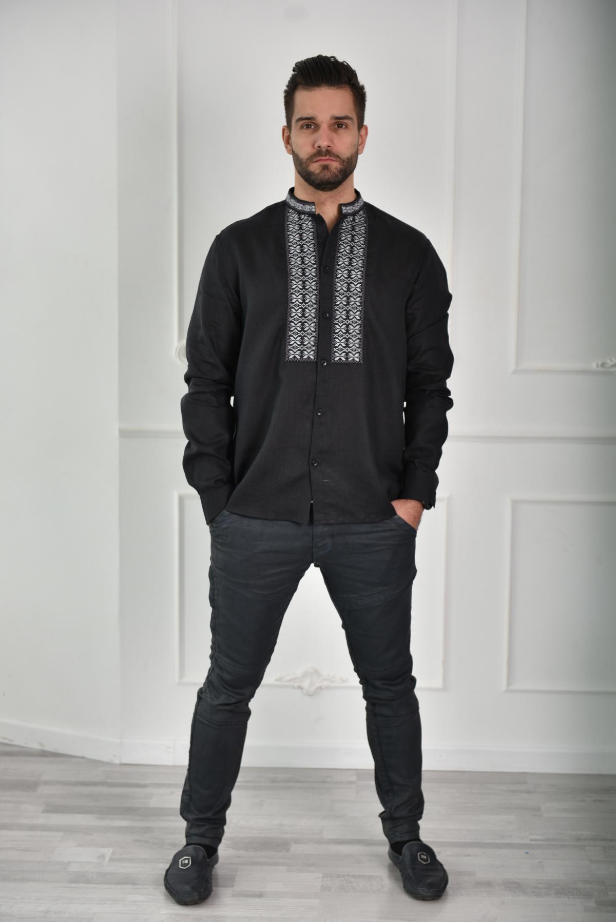 Black shirt with grey embroidery. Photo №2. | Narodnyi dim Ukraine