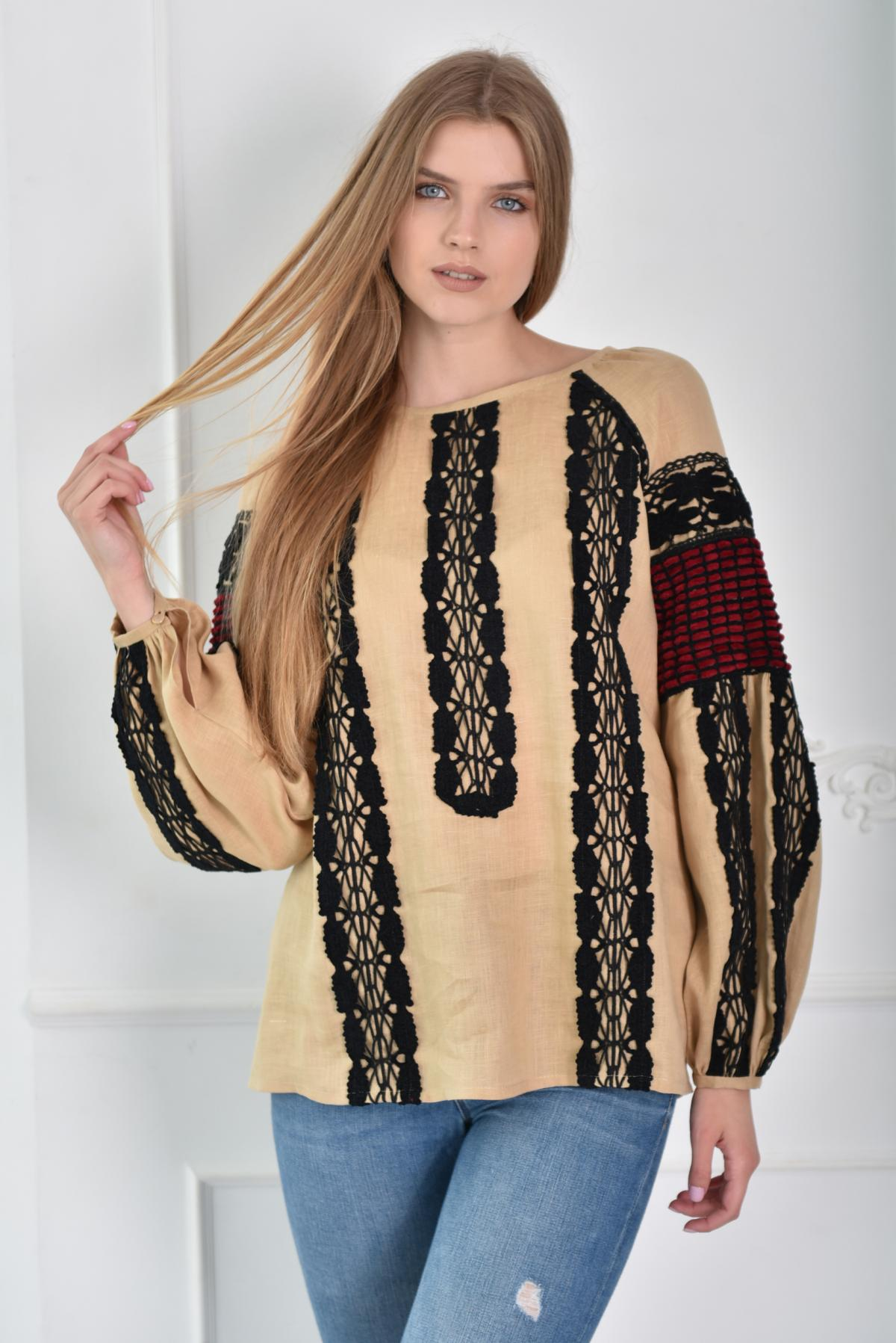 Women's tender embroidery in beige color. Photo №1. | Narodnyi dim Ukraine