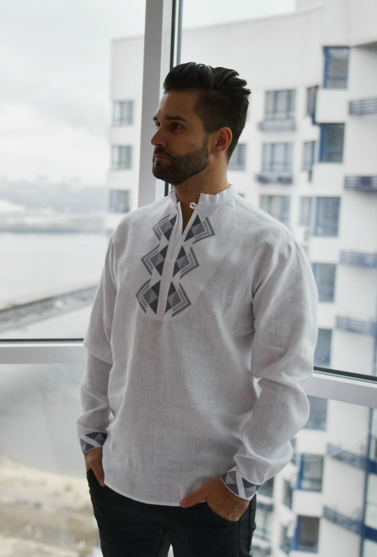 White male embroidery with embroidered gray pattern on the chest. Photo №2. | Narodnyi dim Ukraine