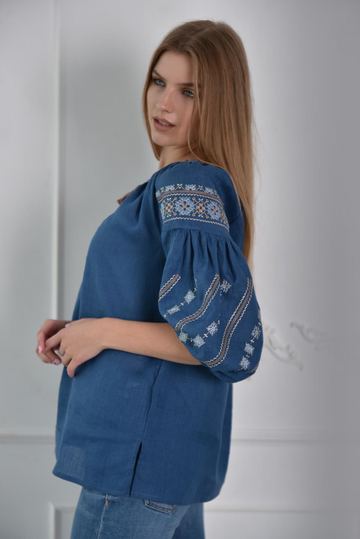 Синяя женская вышиванка с рукавом 3/4. Фото №3. | Народный дом Украина