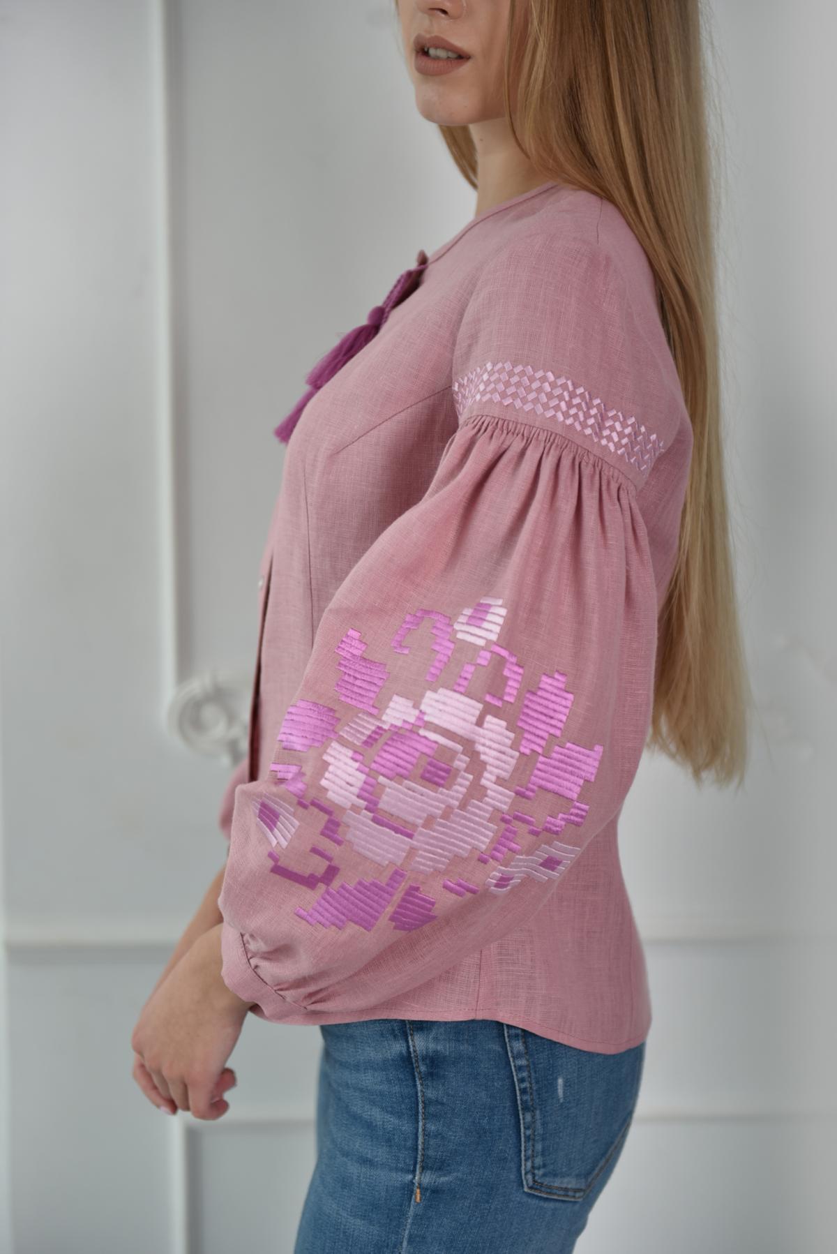 Рожева жіноча вишиванка. Фото №2. | Народний дім Україна