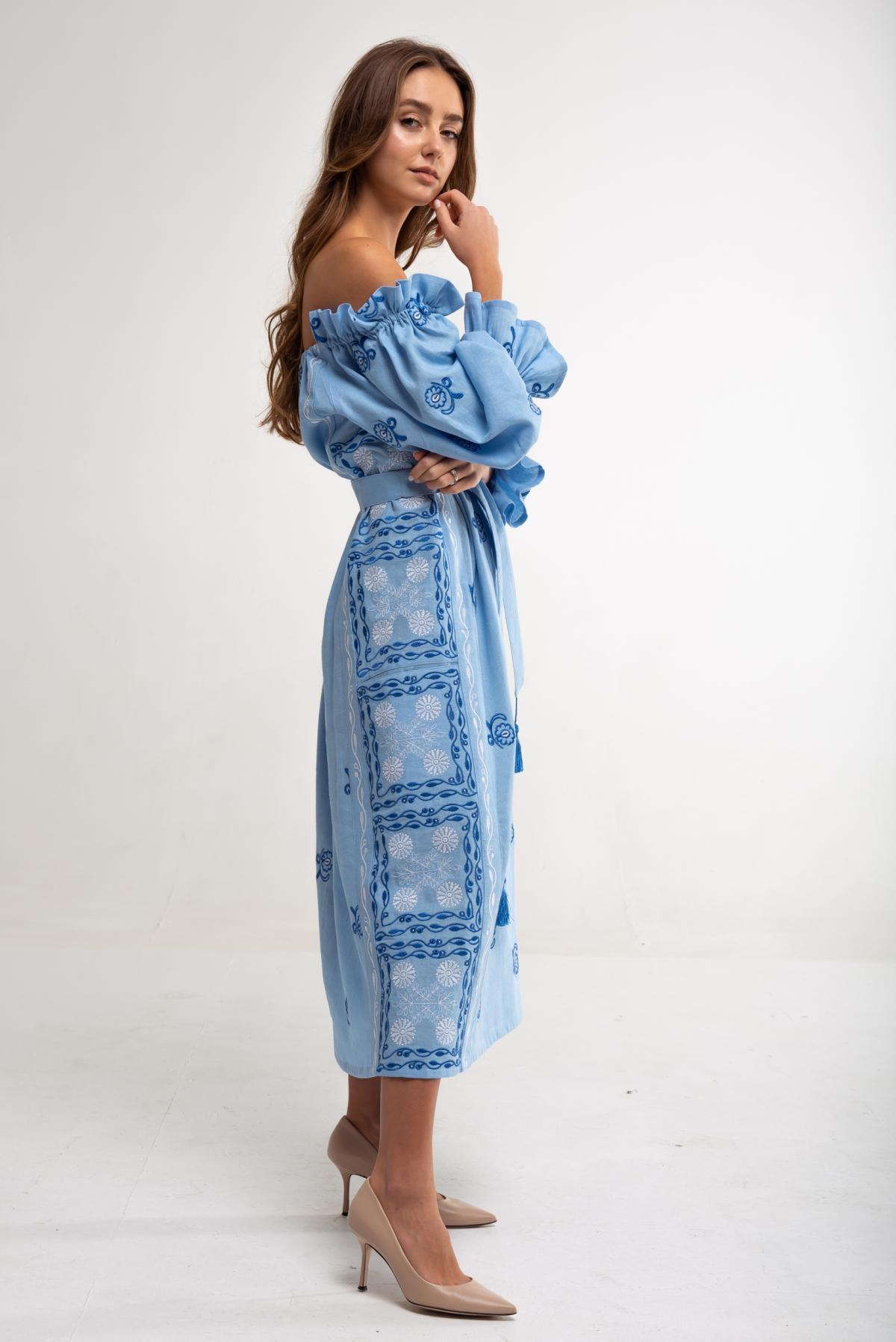 Вышитое платье Барвинок голубое. Фото №2. | Народный дом Украина