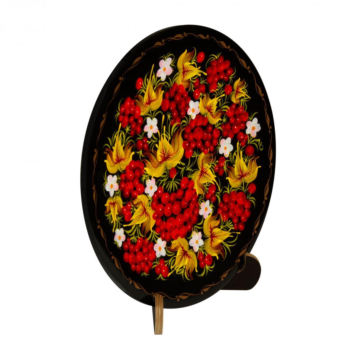 Деревянная декоративная тарелка с калиной. Фото №1.   Народный дом Украина