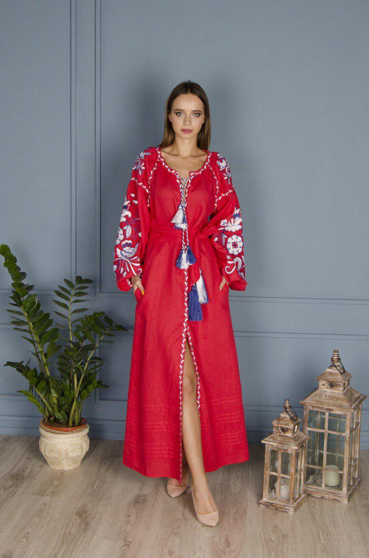 Красное льняное вышитое платье Птицы, длинное. Фото №1. | Народный дом Украина