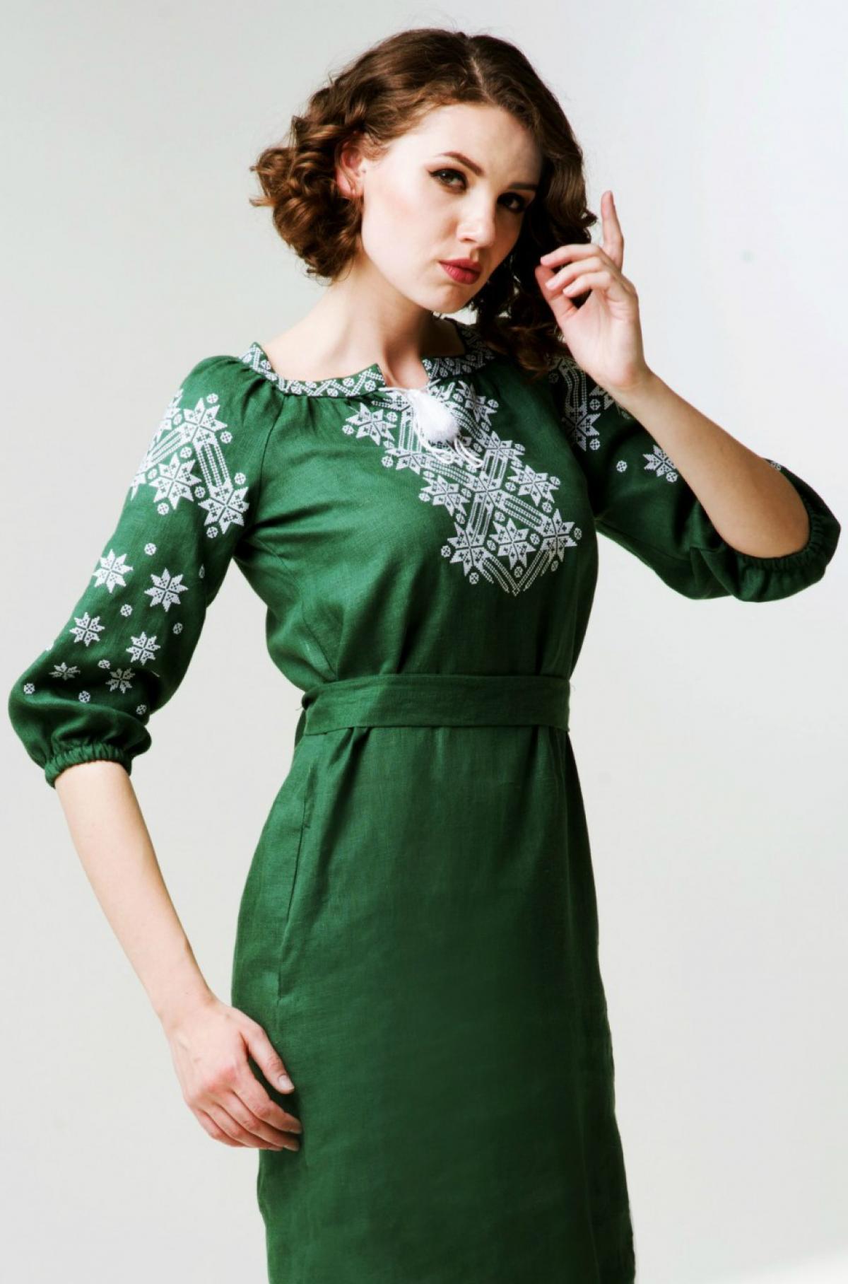 Зелена лляна вишита жіноча сукня. Фото №1. | Народний дім Україна