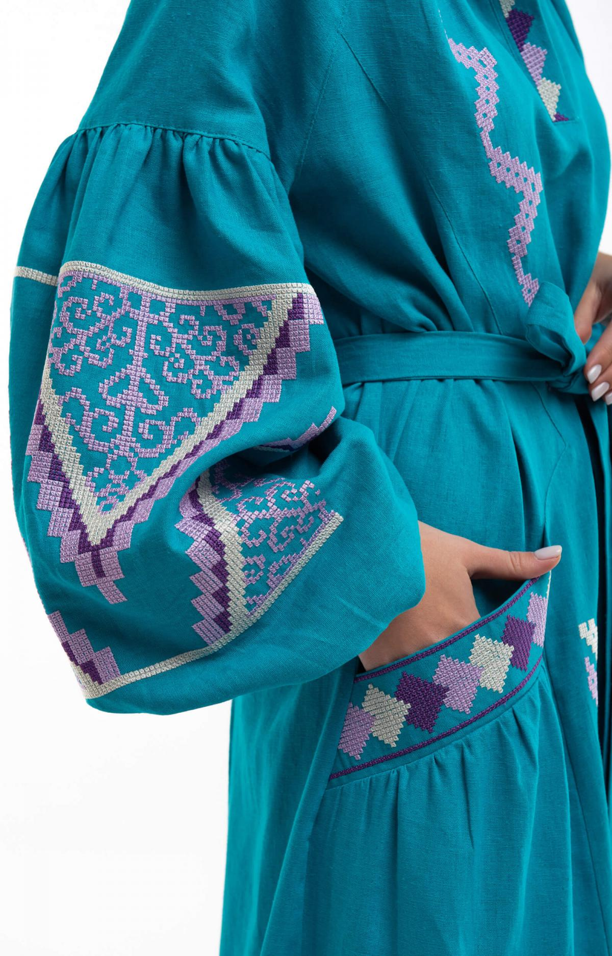 Embroidered long dress of turquoise color. Photo №2. | Narodnyi dim Ukraine