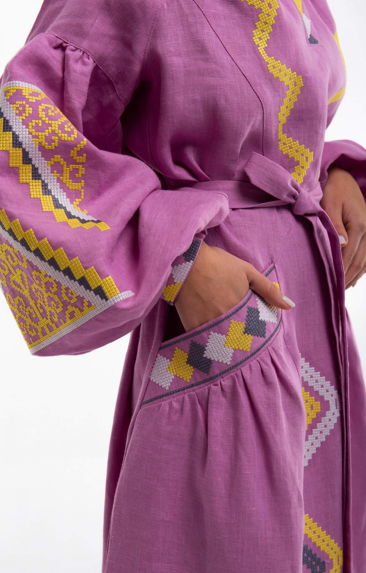 Изысканное длинное платье с красивой вышивкой, розовое. Фото №4. | Народный дом Украина