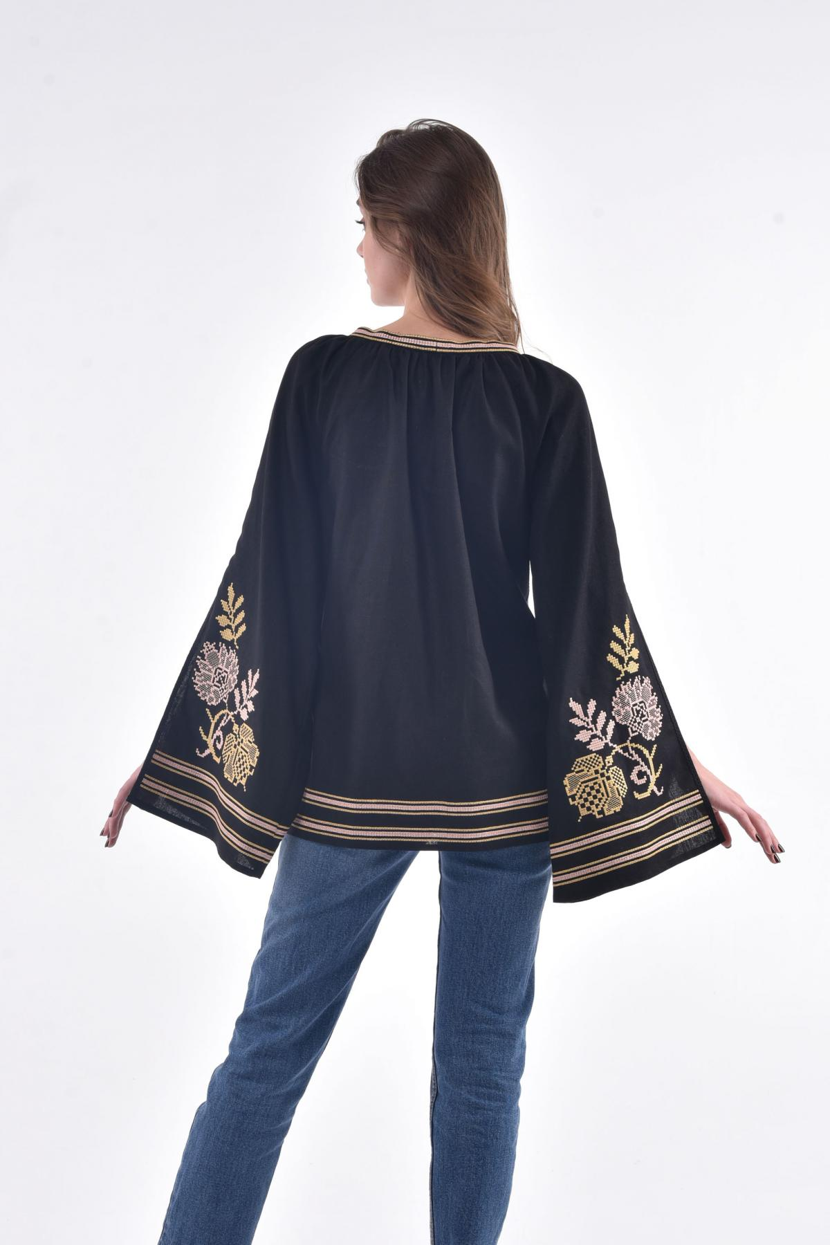 Black embroidery with luscious sleeves with a cut. Photo №3. | Narodnyi dim Ukraine