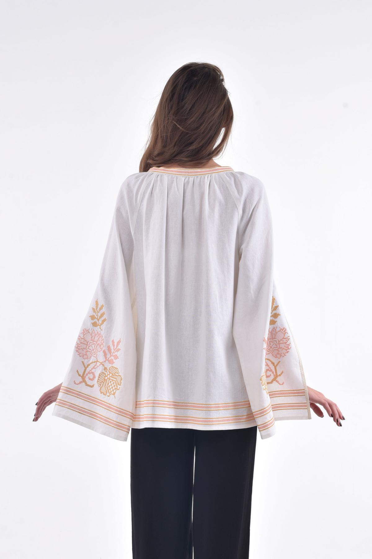 Біла вишита сорочка з пишними ефектними рукавами з розрізом. Фото №2. | Народний дім Україна