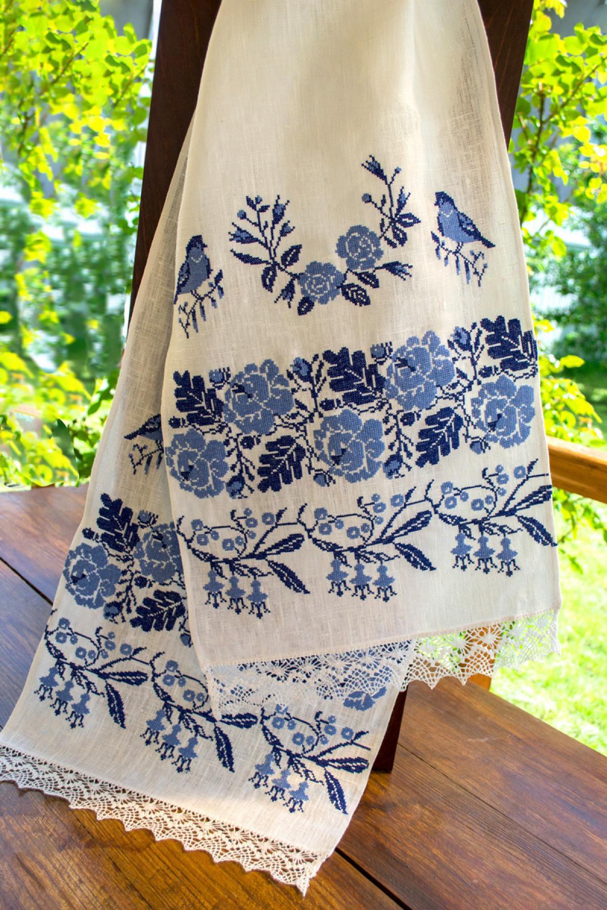 Рушник свадебный с птичками и цветами, вышитая голубыми нитками