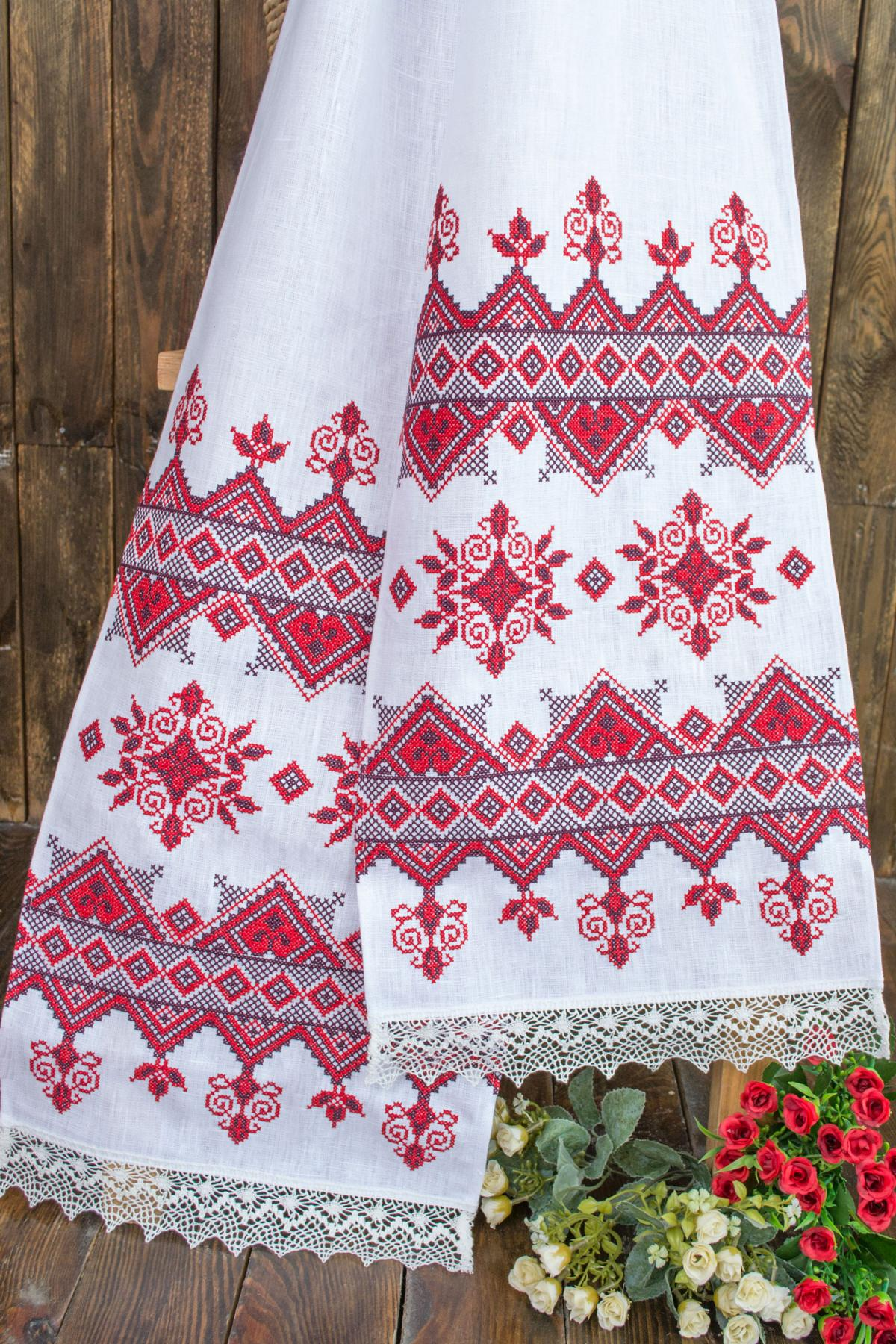 Towel with red embroidery. Photo №1. | Narodnyi dim Ukraine