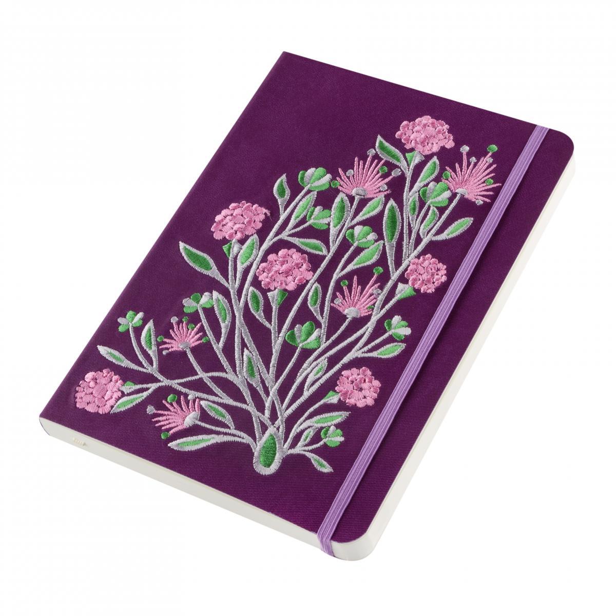 Блокнот фиолетового цвета с вышитыми цветами в коробочке. Фото №3. | Народный дом Украина