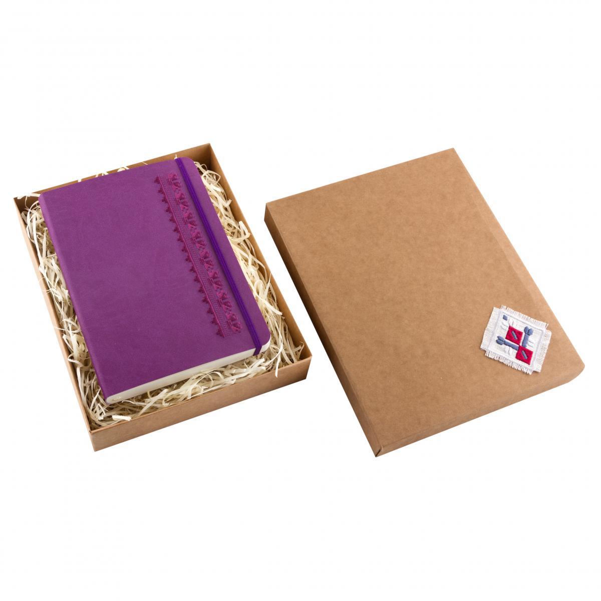 Блокнот з еко-шкіри з вишивкою Орнамент дубочки, фіолетовий. Фото №2. | Народний дім Україна