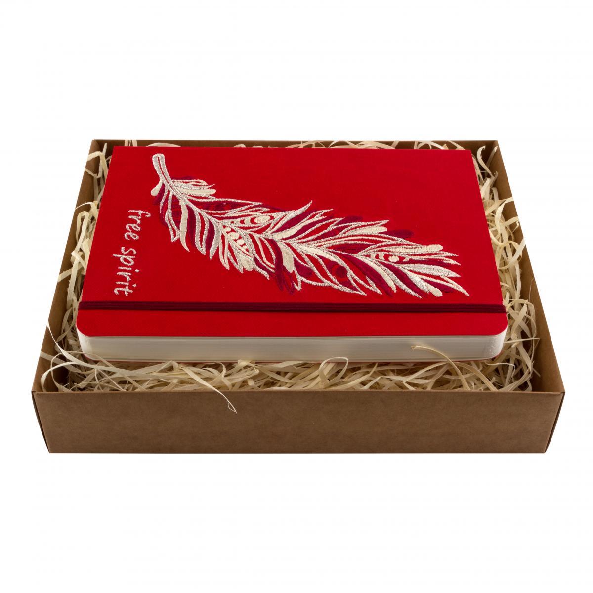 Блокнот из эко-кожи с вышитой пером Free spirit, красный. Фото №1. | Народный дом Украина