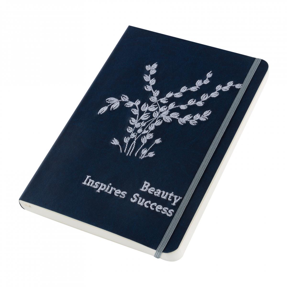 Блокнот з еко-шкіри з вишивкою Beauty inspires success, синій. Фото №2. | Народний дім Україна