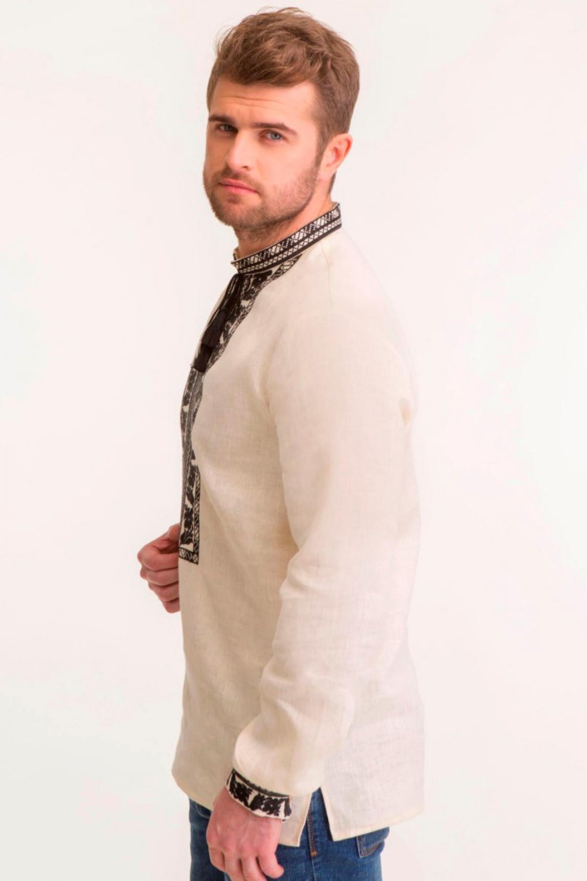 Чоловіча вишиванка на натуральному льоні з чорною вишивкою. Фото №2. | Народний дім Україна