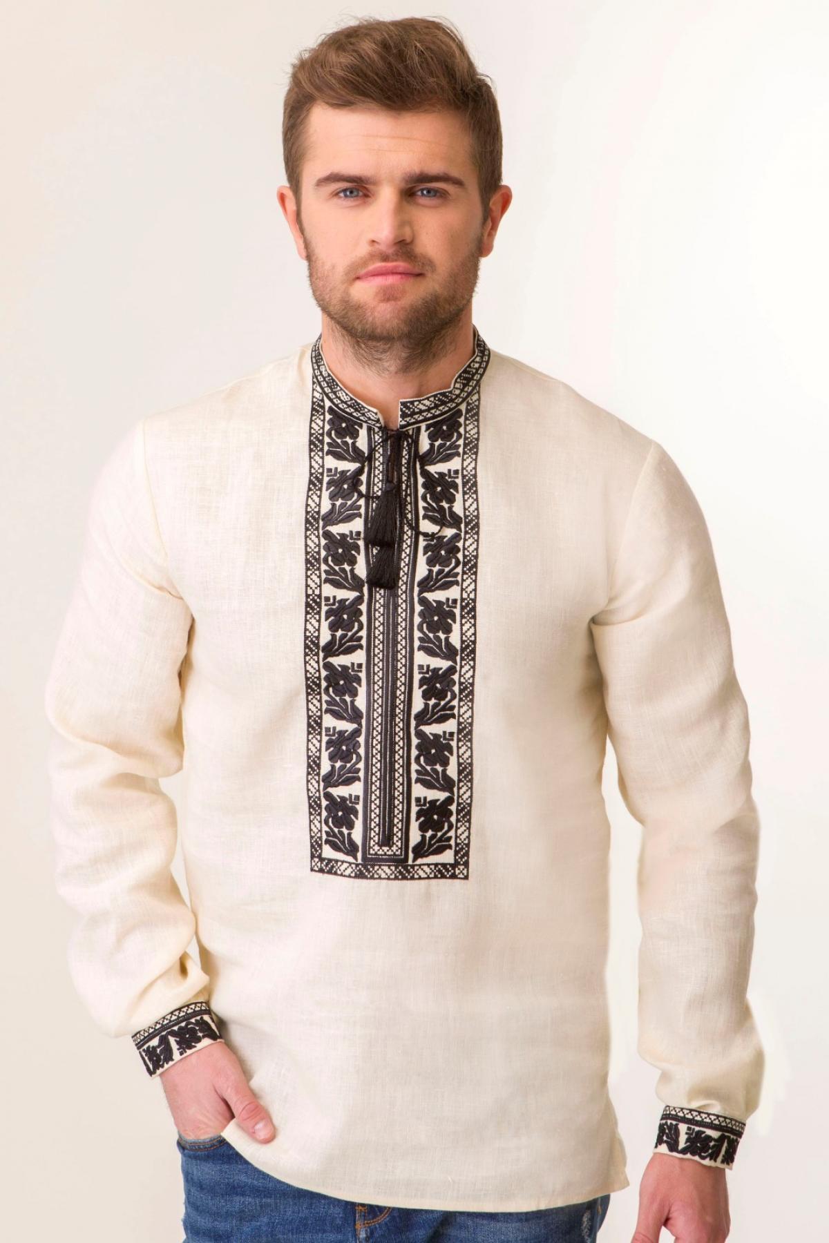 Чоловіча вишиванка на натуральному льоні з чорною вишивкою. Фото №1. | Народний дім Україна