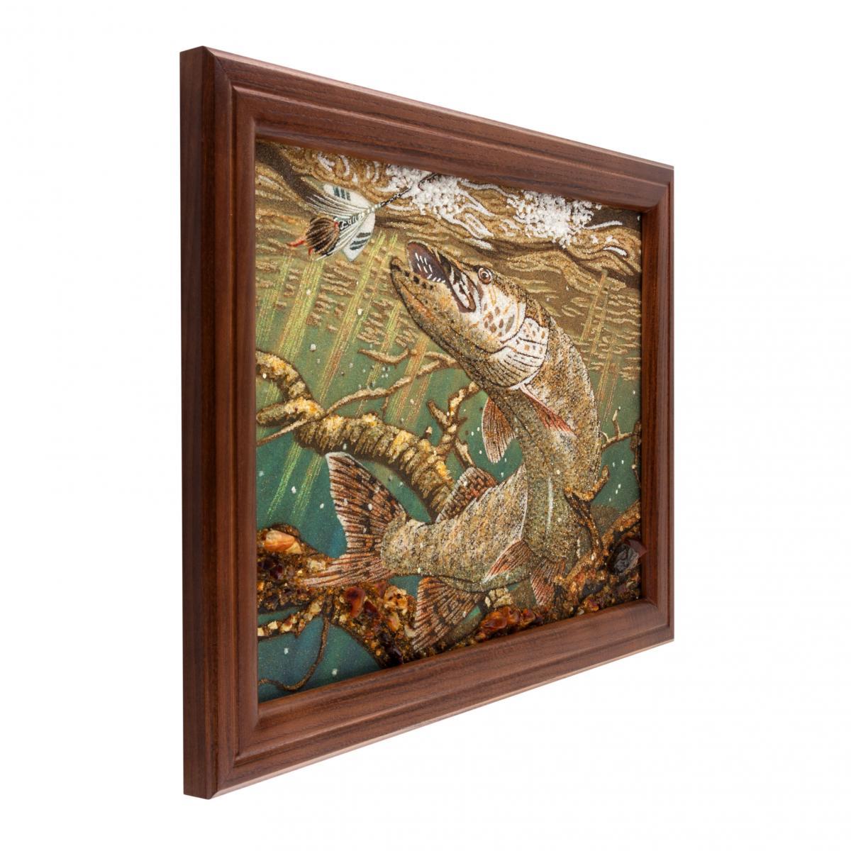 Картина из янтаря Щука. Фото №2. | Народный дом Украина