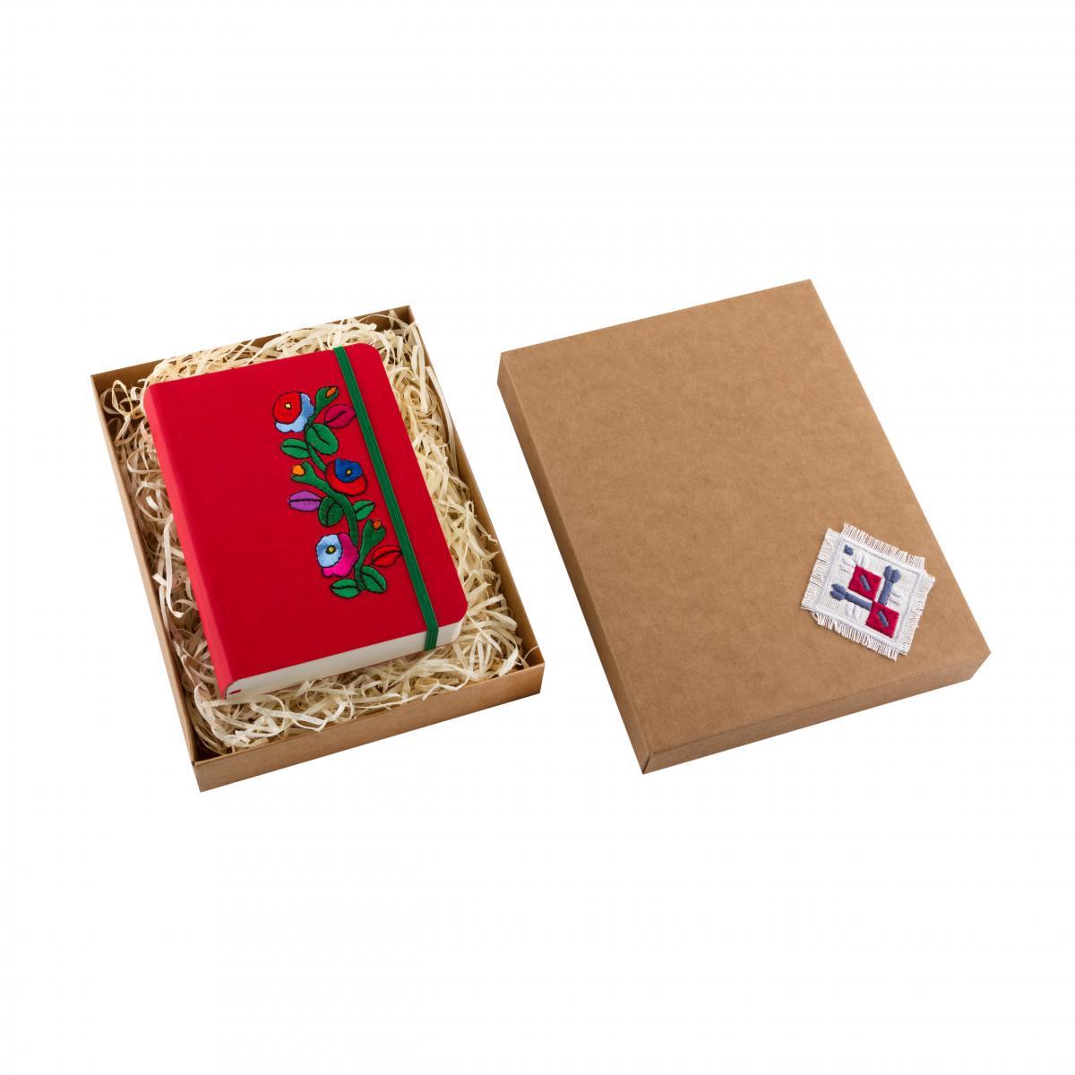 "Eco-leather notebook with embroidery ""Borshchivka"", red. Photo №3. | Narodnyi dim Ukraine"