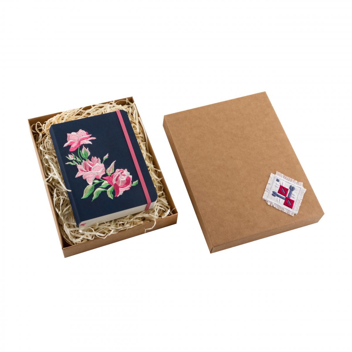 Блокнот из эко-кожи с вышивкой Розы, синый. Фото №3. | Народный дом Украина
