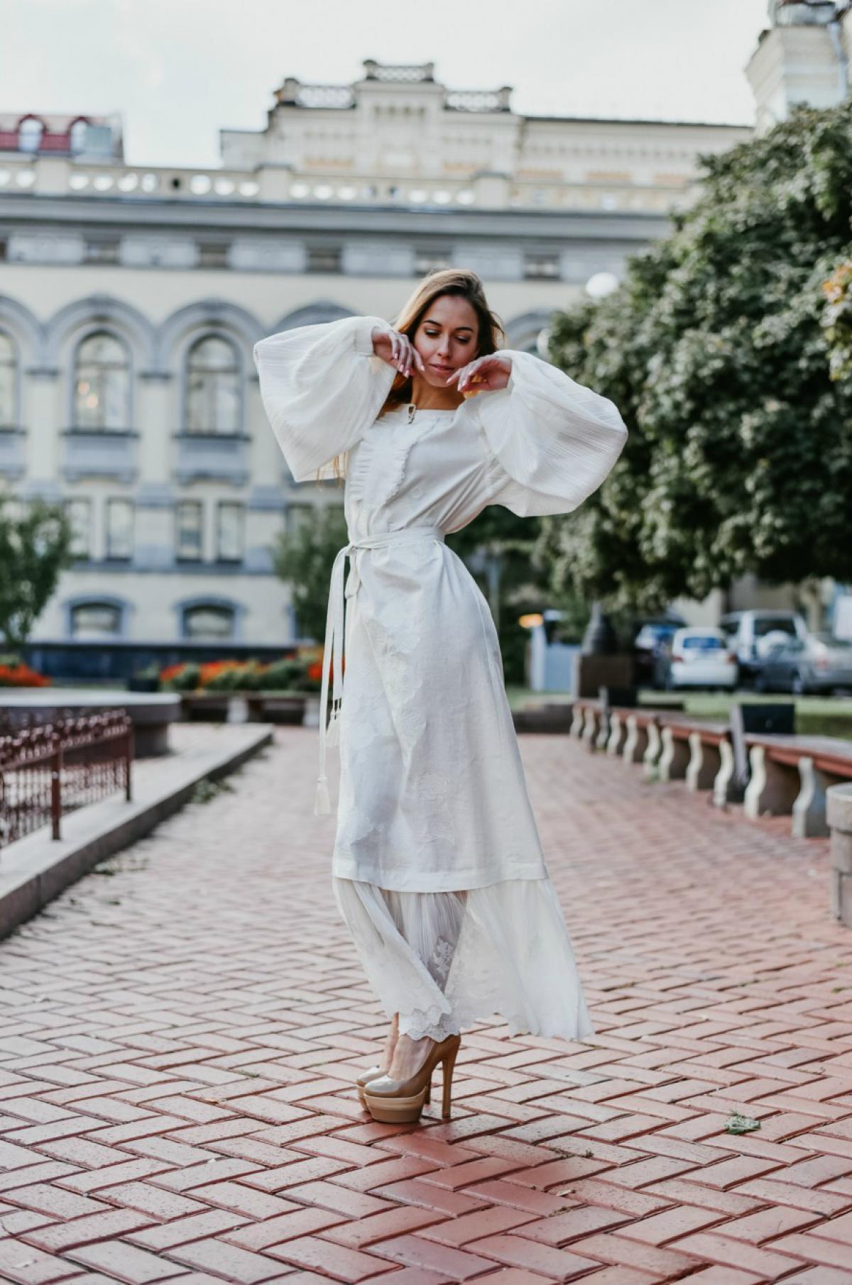 White elegant long embroidered dress. Photo №1. | Narodnyi dim Ukraine