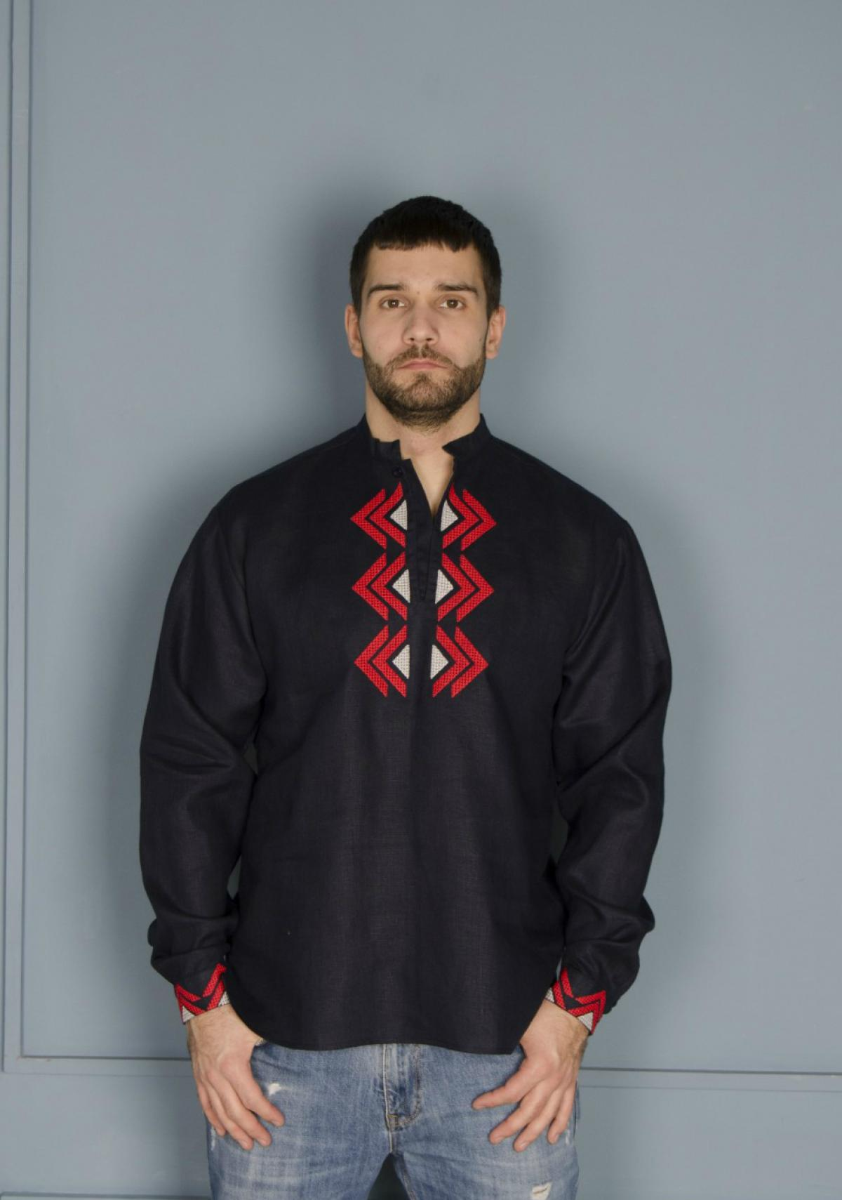 Male embroidery of dark blue color with a red-gray embroidered pattern. Photo №4. | Narodnyi dim Ukraine