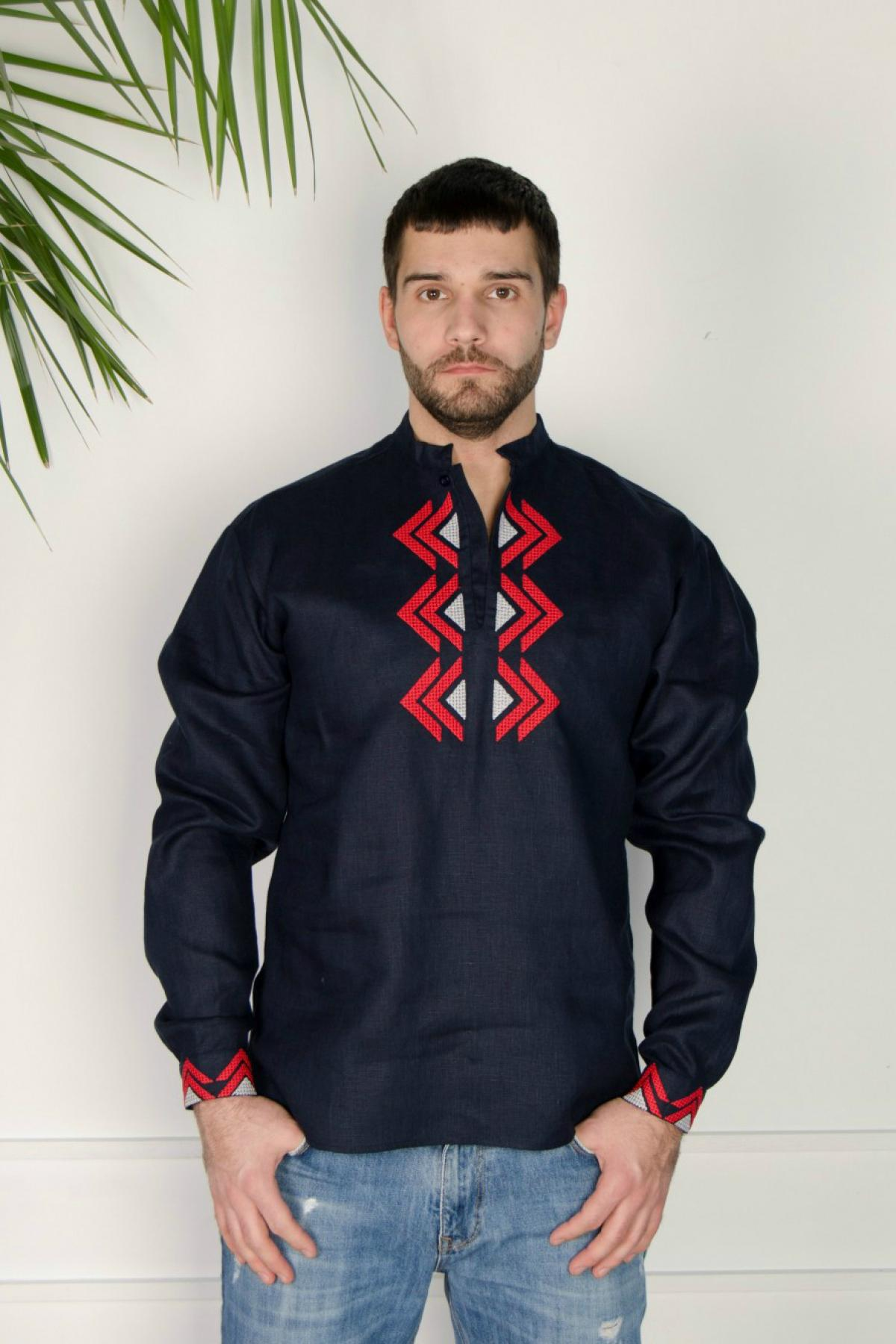 Male embroidery of dark blue color with a red-gray embroidered pattern. Photo №1. | Narodnyi dim Ukraine