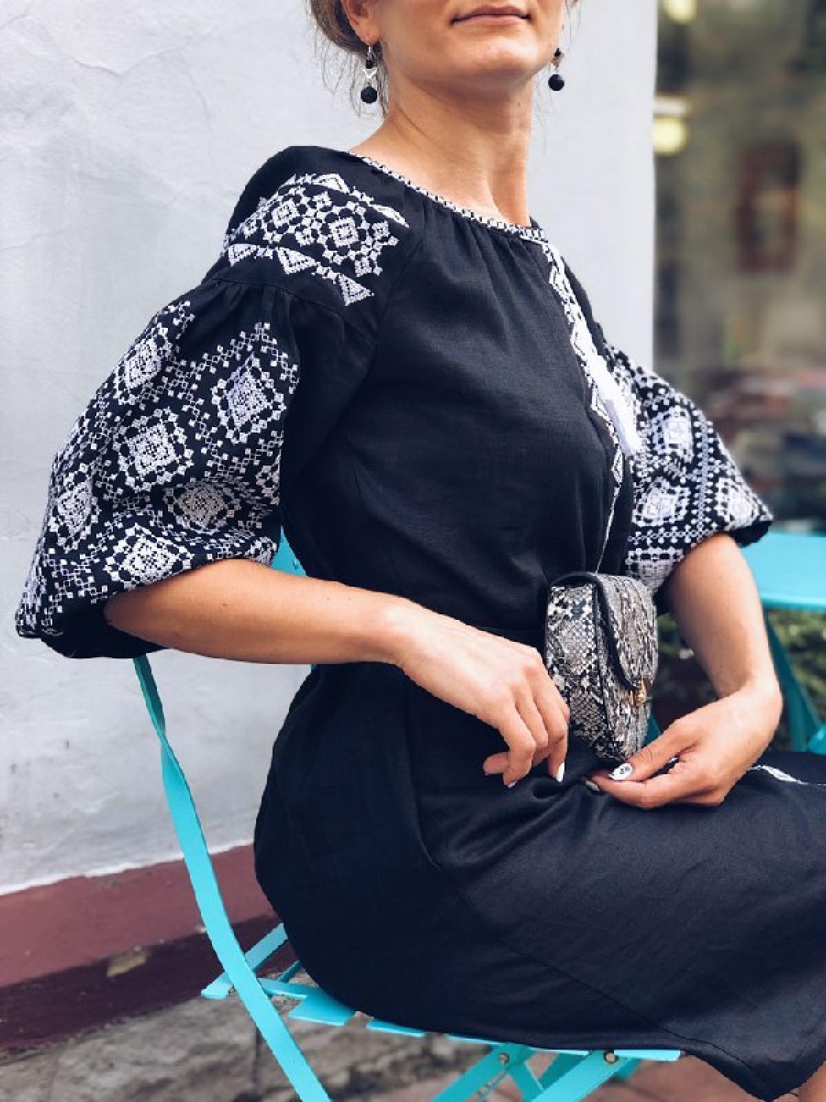 Black linen dress with white embroidery, midi. Photo №2. | Narodnyi dim Ukraine