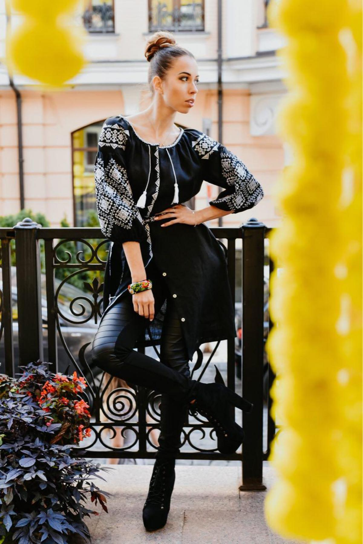 Black linen dress with white embroidery, midi. Photo №1. | Narodnyi dim Ukraine