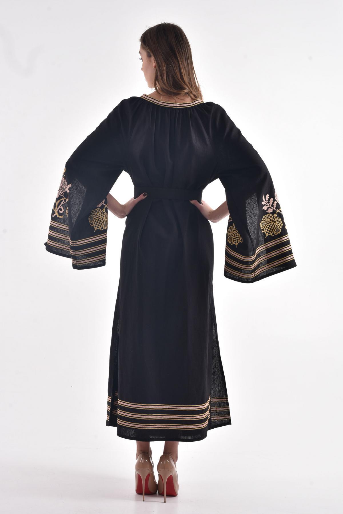 Черное льняное платье с пышными рукавами с разрезами. Фото №2. | Народный дом Украина