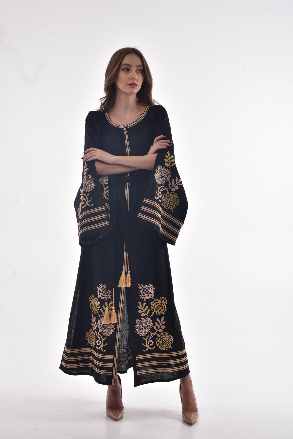 Черное льняное платье с пышными рукавами с разрезами. Фото №1. | Народный дом Украина